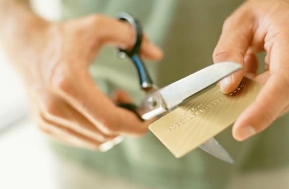 Destruye tus tarjetas de crédito y de débito